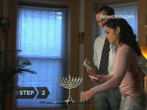 How to Light the Hanukkah Menorah (With Blessings)