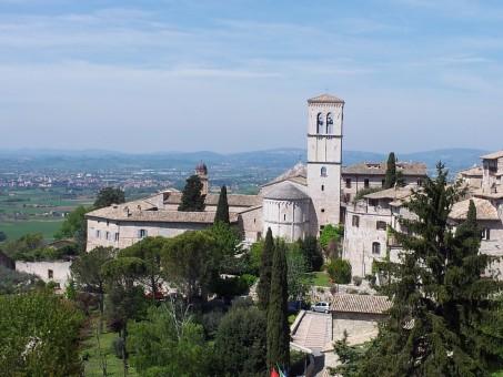 רשת הצלת יהודים באסיזי, איטליה