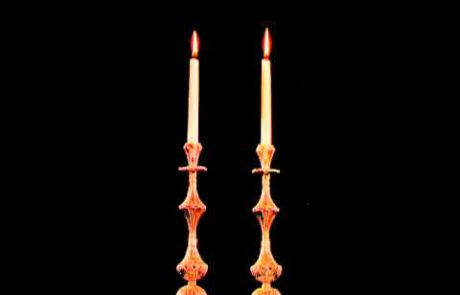 השיר 'אמא תגידי לי' לפי מילות הברכה להדלקת הנרות