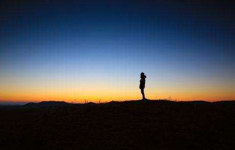 A Kabbalat Shabbat Poem About the Stillness of Evening