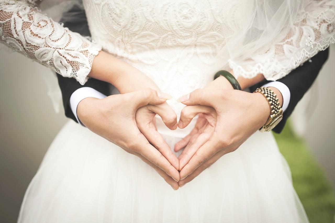 טקס חתונה מסורתי מול מתחדש- הבדלים והשוואות