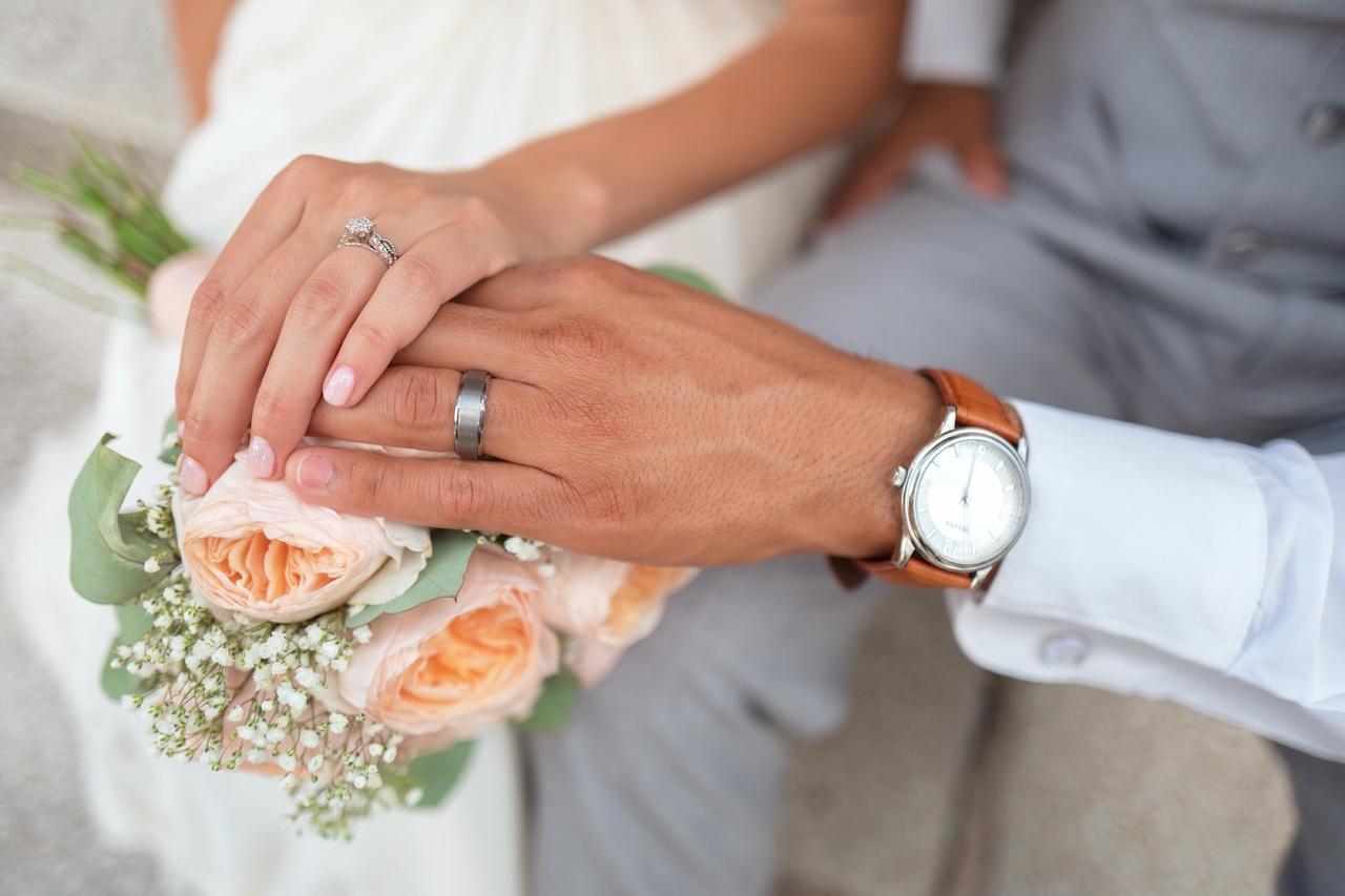 מנהגי חתונה אורתודוכסיים- הרב שמואל גלברד